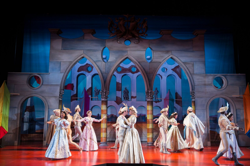 "Brush Up Your Shakespeare: STC's ""Kiss Me, Kate"""